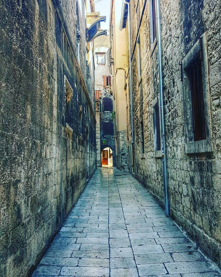 The happiness of finding an empty street in a crowded town . . #Split . . #iseeplaces #travelphotography #worldinmotion #allaroundtheworld #postcardsfromtheworld #discoverearth #arountheworld #worldplaces #tourist #travelling #traveltheworld #travelgram #travelphoto #trip #picoftheday #oldtown #photography . . #instagram #instagood #instatravel #instamood #instalove #igdaily #bestoftheday #instavacation #like4like #l4l #followforfollow