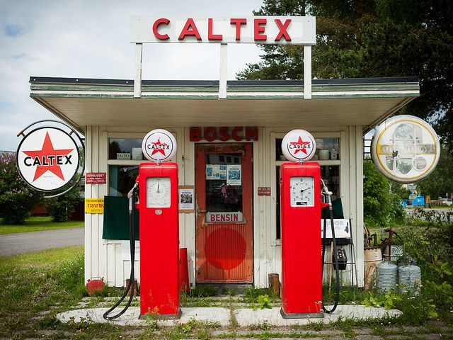 Texaco Near Me >> Best 25+ Old gas stations ideas on Pinterest   Gas station near here, Old gas pumps and Petro ...