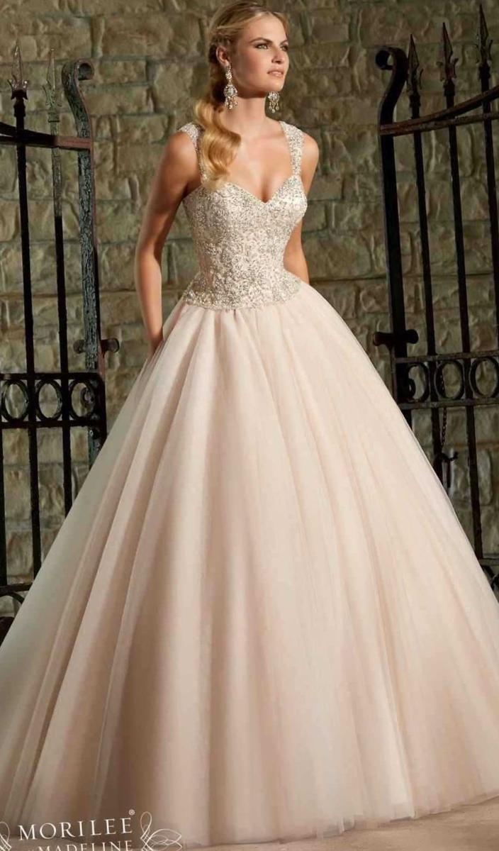 Как самой вышить свадебное платье - http://1svadebnoeplate.ru/kak-samoj-vyshit-svadebnoe-plate-2874/ #свадьба #платье #свадебноеплатье #торжество #невеста