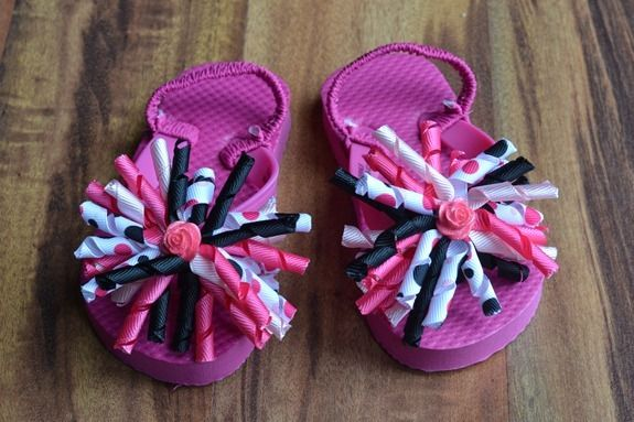 Flip flops with matching hair bows