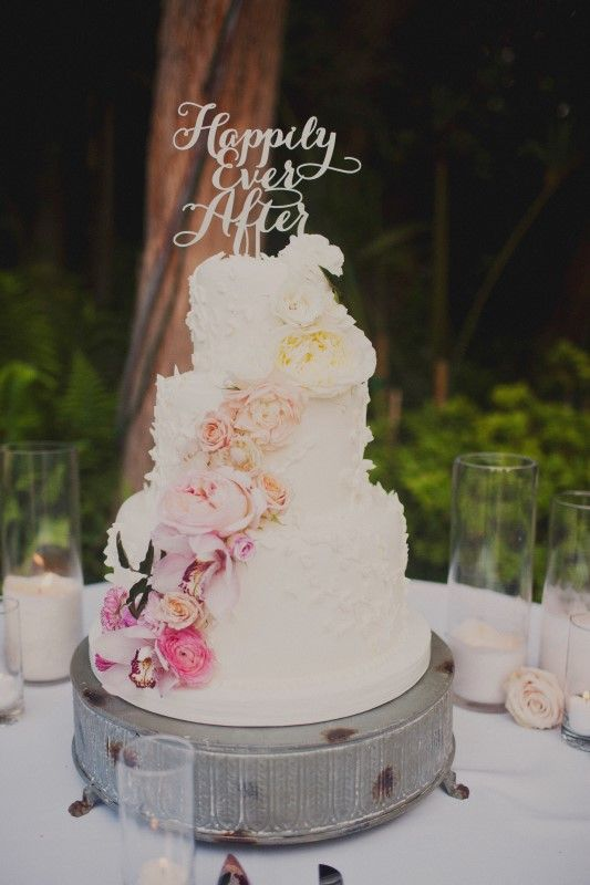 Cake with Laser Cut Topper | photography by http://sloanphotographers.com/