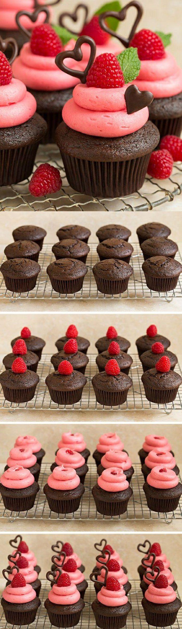 cupcakes décorés de coeurs de fraises, menthe poivrée et chocolat   – Essen