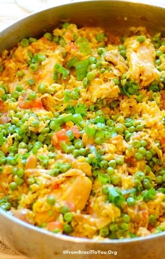 Brazilian saffron rice with chicken and vegetables -- A hearty and complete meal ideal for busy week days!