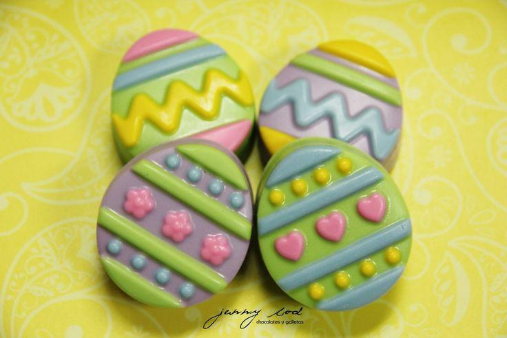 Oreos cubiertos de Chocolate en forma de Huevitos de Pascua / Easter Eggs Chocolate Covered Oreos