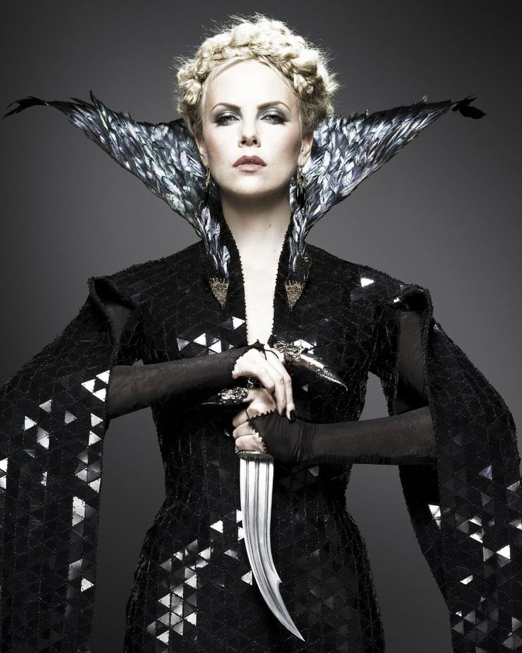 Snow White & The Huntsman:  best evil queen EVER