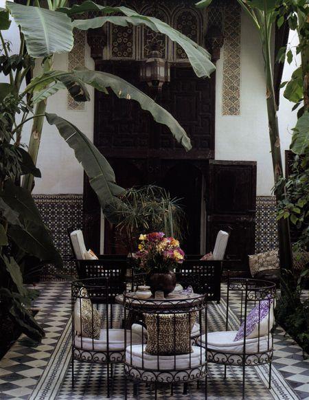 25 Best Ideas About Spanish Courtyard On Pinterest