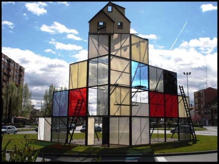 """""""Monumento al cine""""  Diciembre de 1998, obra de Dennis Oppenheim (Valladolid)"""