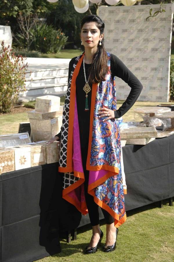 The uber stylish Sukaina Taqi keeps it chic in all black with a Sania Maskatiya jacket at her pop-up exhibition in Islamabad.