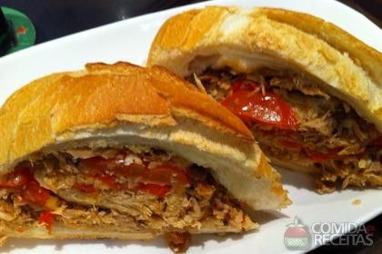 Receita de Sanduíche de pernil especial em receitas de paes e lanches, veja essa e outras receitas aqui!