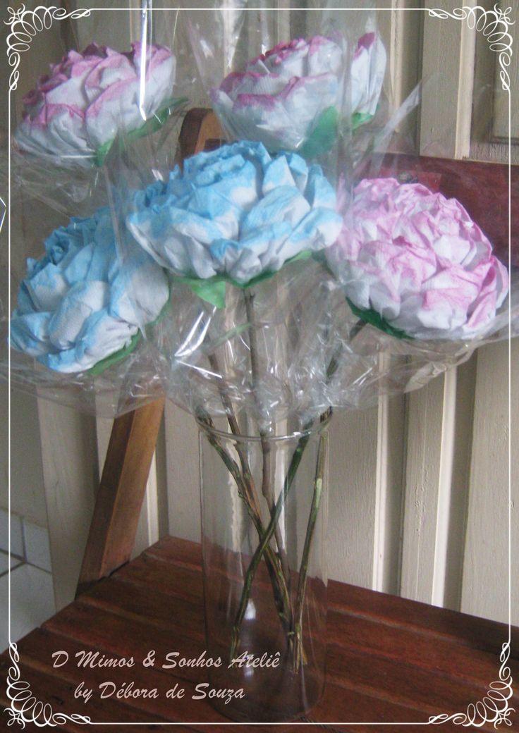 Rosas de Guardanapos ou papel toalha.. Uma dica para Lembrança Dia das Mães, Culto de Mulheres, e outros... https://www.facebook.com/DMimosESonhos