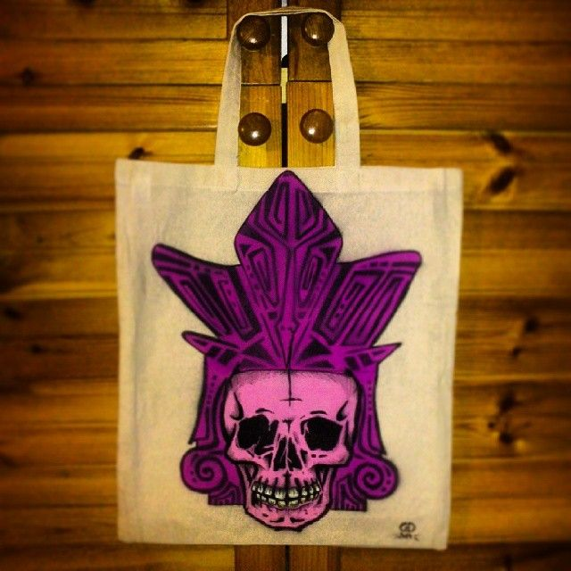 SkullShoppinBag!!! #skull #maya #mayan #mayanskull #molotow #molotowmarker #molotowspray #one4all #bag #shopping #shoppingbag #stencil #graffitiart #lady #ladie #webstagram #graffkodesign #like