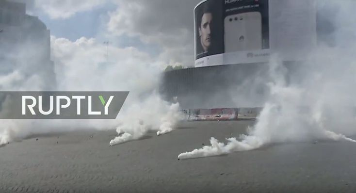 """""""Neither Le Pen, nor Macron"""" - Protests against French presidential candidates takes place in Paris"""