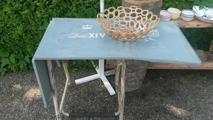 Gl. Skrivemaskinebord KR. 1495,- #Keramik&Vintagemøbler