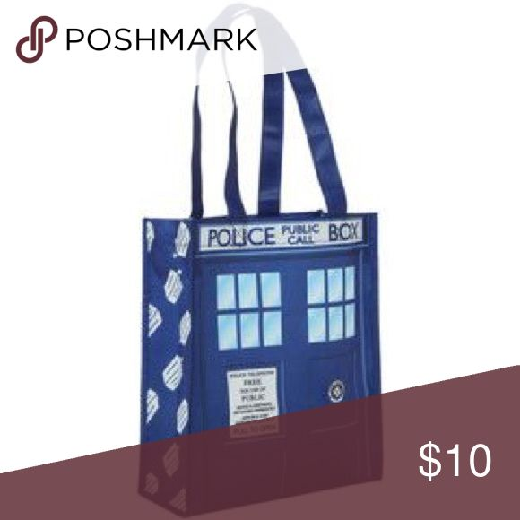 Hot Topic Doctor Who TARDIS Small Shopper Tote Used slightly. Looks really cute still. Comes with free gift 🎁 Hot Topic Bags Totes