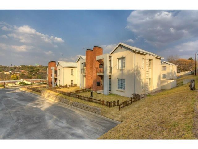 FERNDALE, RANDBURG APARTMENT    SET YOURSELF UP WITH A BARGAIN – PRICED TO SELL TODAY !    Carina a' Porta 060 885-2779 carinaa@ahprop.co.za    Aiken Mandlbaur 076 279-9011 aiken.ahprop@gmail.com    CALL to setup a viewing.