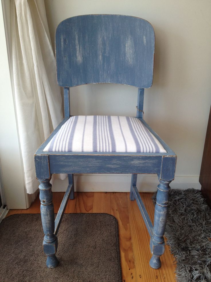 Blue distressed chair