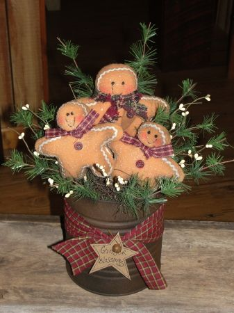 Grungy Gingerbread Arrangement