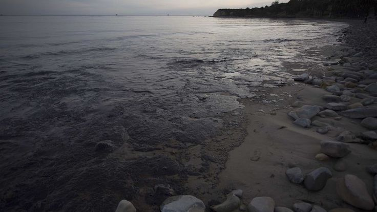 Pipeline Company Rushes To Contain Oil Spill To Small Section Of Media