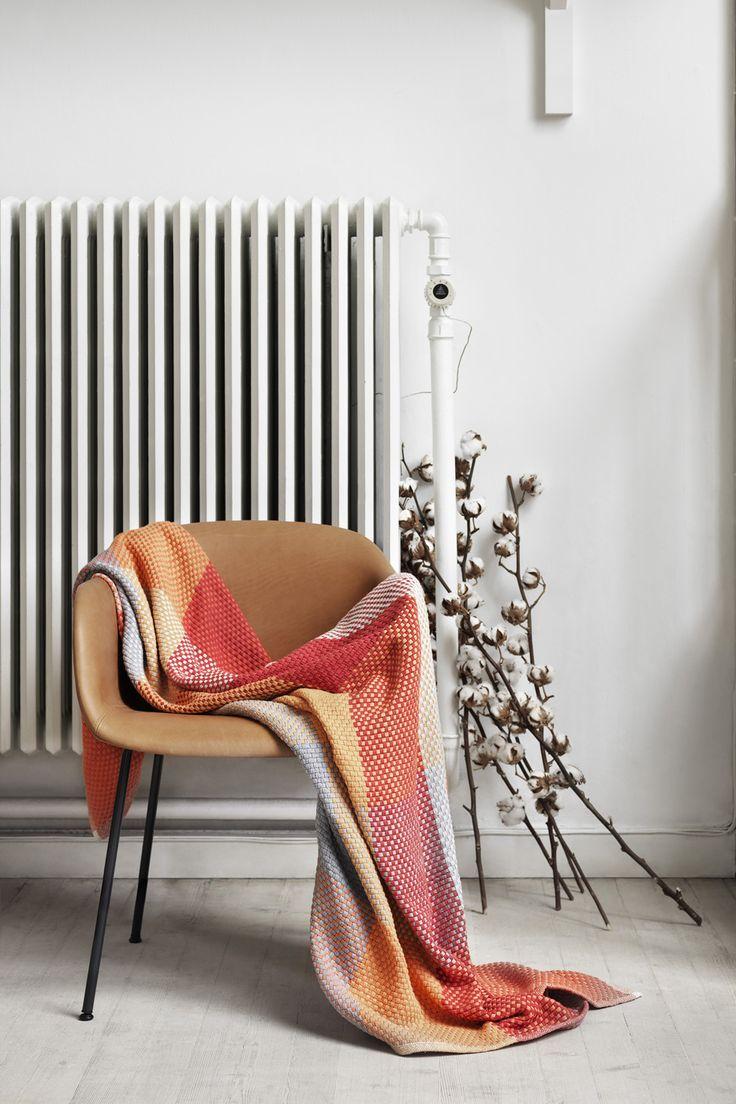 loom tangerine_fibre chair_mid