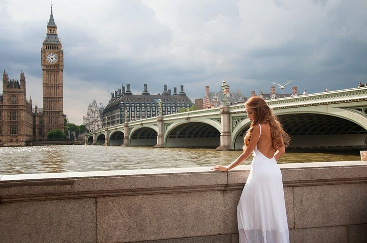 Style-Rules: White Temptation  Greek designers @ London