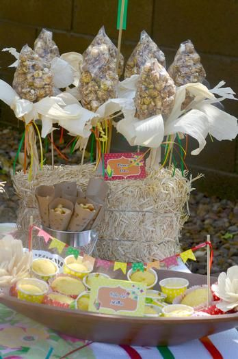 Decoração de mesa para festa junina. #festajunina #junina #festa #june #party