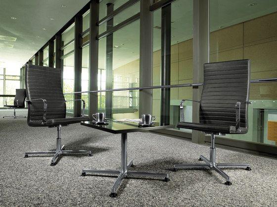 Кресла PURE  - образец высокого качества и классического дизайна, придаст каждому помещению отличительную черту.