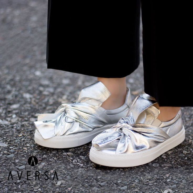 Svezia Pelle con Fiocco argento  Per prezzi ed altre foto andate su...  www.aversashoes.com   #topshoes #highheels #heels #platform #fashion #style #model #shoes #trendy #heelsaddict #topshoes #italianshoes #platform #decolletè #design #shoesoftheday #shoesonline #tacchi #zeppe #sandali #pantaloni #scarpe #stileitaliano #abbigliamento #fashionblogger #ootd #blogger #lookbook  #like4like by aversashoes