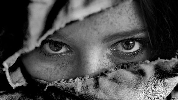 Eyes by SebastianLacherski