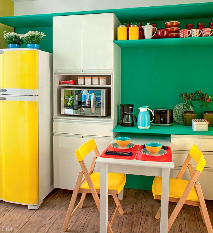 Cozinha com as cores da bandeira do Brasil por 10 x R$ 545 - Casa: