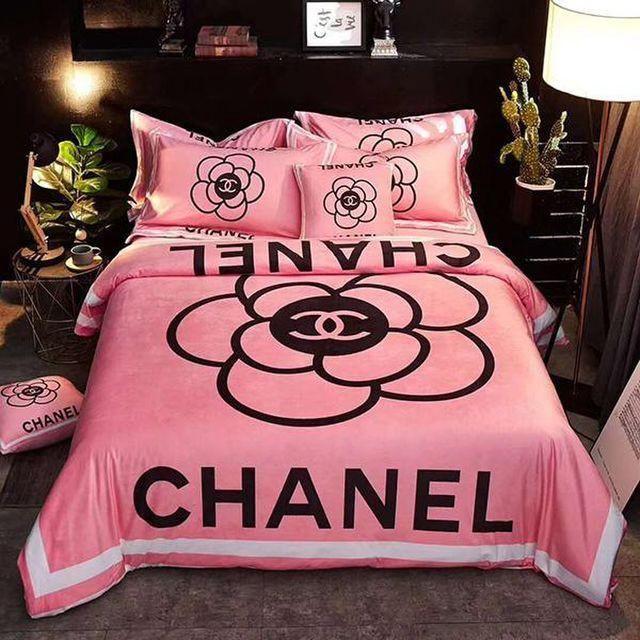 Parure De Lit Chanel Housse De Couette Chanel Https Luxuryamoda Myshopify Com Bed Linens Luxury Chanel Bedding Chanel Room