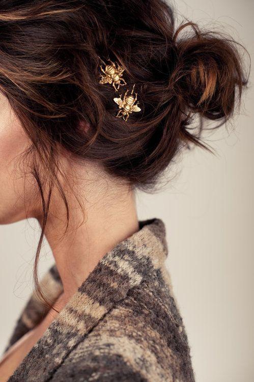 Gold bumblebee hair clips #wedding #gold #goldwedding #bride #hairdo