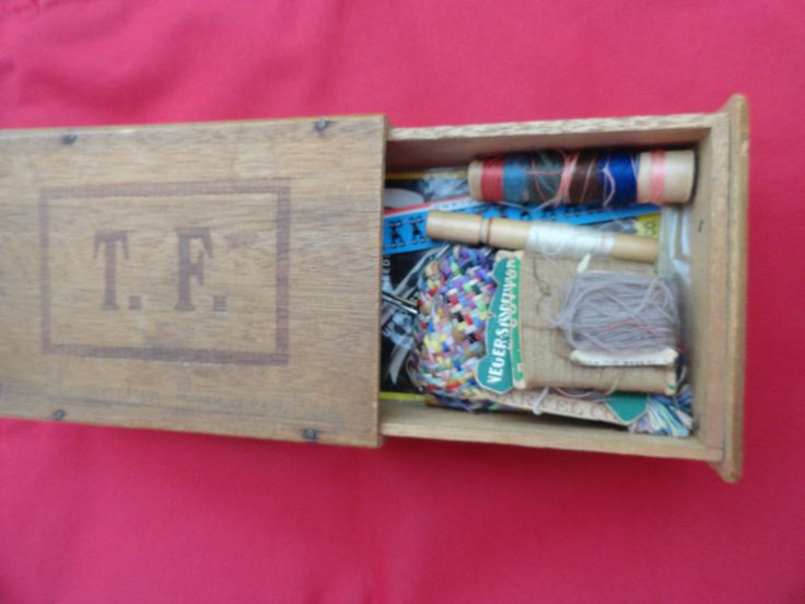 Vintage Wooden Sewing Box T.F. Claro Butties with needles thead - Baskets & Boxes