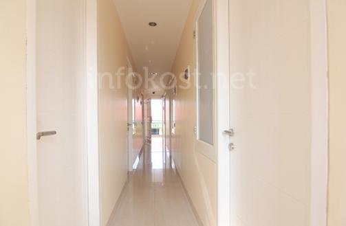 KK 42/28 Residence Corridor