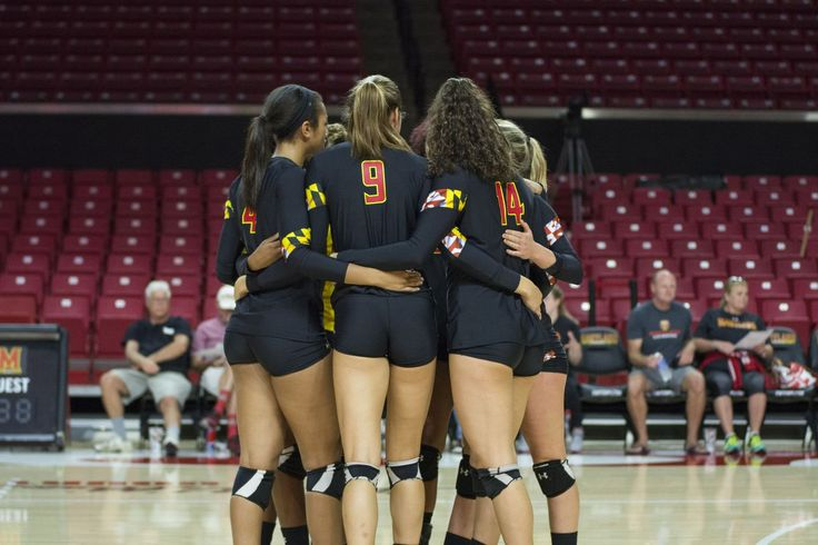 Volleyball Girls Pictures: Photos of action during games