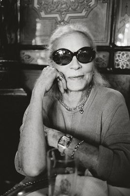 I am so not into the celebrity thing, but i make a few exceptions and Lauren Bacall is one of them.