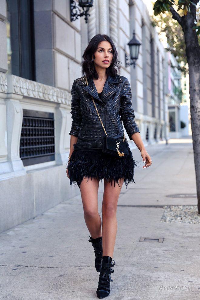Миллионы модниц со всего земного шара боготворят Аннабель Флер. Она сумела вывести уличную моду на совершенно новый уровень, показав на своем примере, что каждый день женщина способна выглядеть просто шикарно! Сегодня в подборке модные образы зима 2014 для вашего внимания!