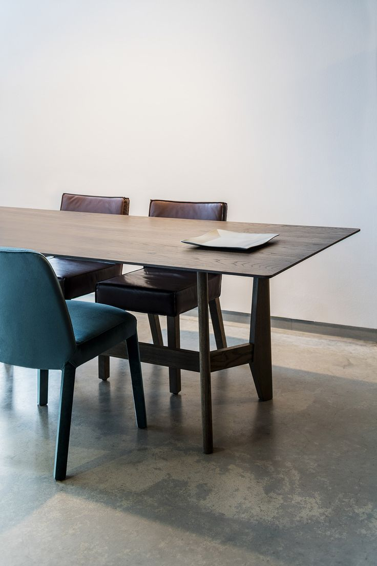 Piet Boon Styling by Karin meyn | Piet Boon Collection, our Yke dining table in combination with the SAAR and MINNE chair. Credits: Sigurd Kranendonk