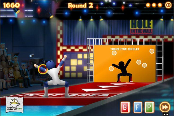 Jogos de Hole in the Wall Twisted Figures para joggar online no vaijogos.com