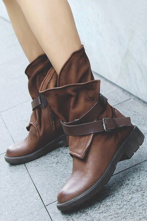 31722828686da Fall winter vintage Ankle boots shoes casual. Chic classy street styles  fashion booties. #fallfashion #winterfashion #outfits #ootd