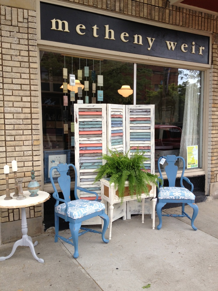 What a great display!  I took a VERY fun Annie Sloan Chalk Paint class here.  Kim and Sue are fabulous :-)