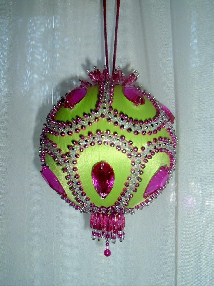 Satin beaded Christmas ornament - Pistachio Scoop