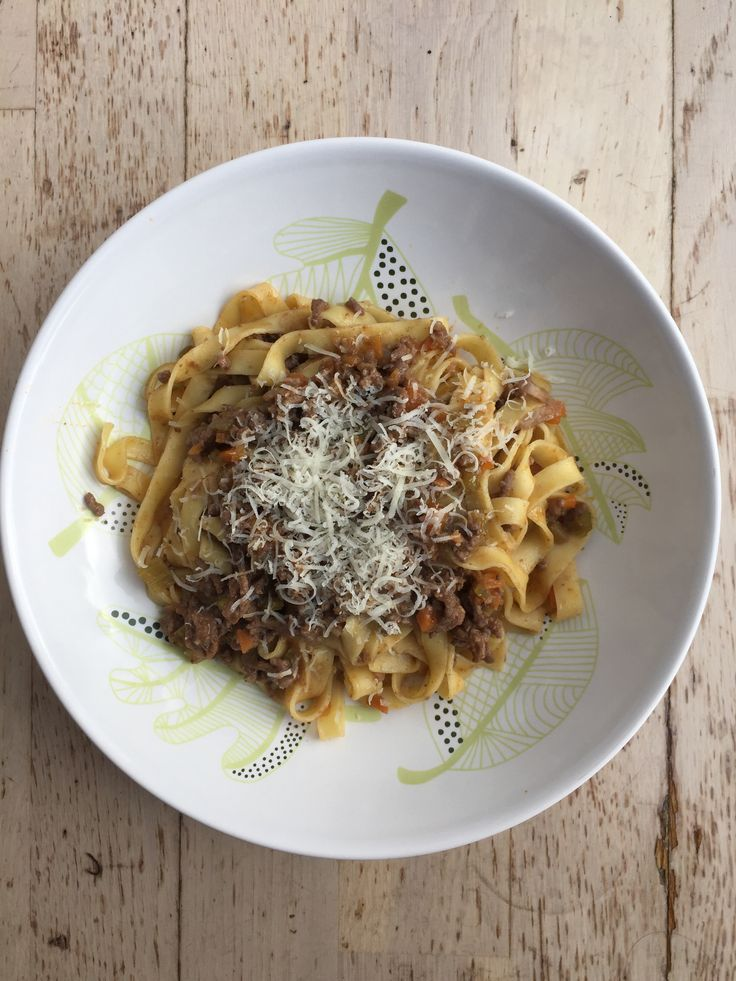 Impress your guests with an authentic, Italian ragù with tagliatelle pasta. With easy-to-find ingredients, it's a great low-mess option for entertaining!