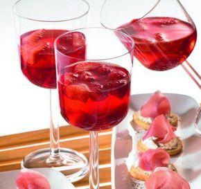 Rote Erdbeer-Bowle