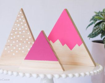 Geometric Wooden Mountain от CocoCooie на Etsy
