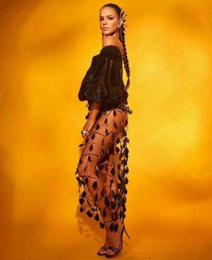 Bruna Marquezine in Baile da Vogue Brasil 2018❤  de20417b902