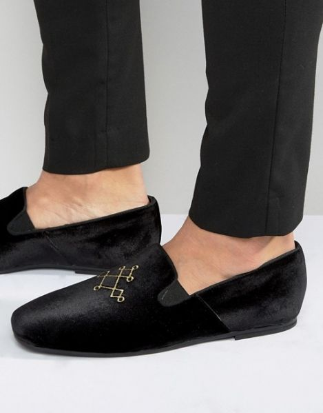 Loafers+by+Hudson+London+++++Velvet+upper++++Slip-on+style++++Embroidered+detailRound+toeSlim+sole++++Wipe+with+a+damp+sponge++++100%+Textile+Upper http://rfbd.cm/rp9cd20987