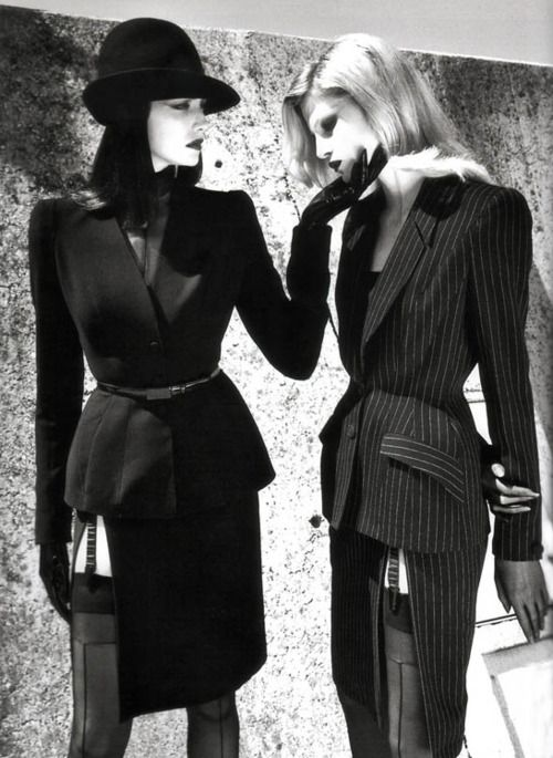 Photography Helmut Newton,design Thierry Mugler,1998