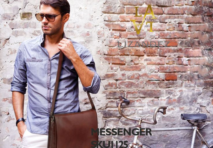 Messenger with two compartments leather shoulder bag – Large size  Made from Premium Italian Leather. This Messenger Bag is just perfect for everyday use. Whether you are student or a professional – this bag is surely going add to your convenience.
