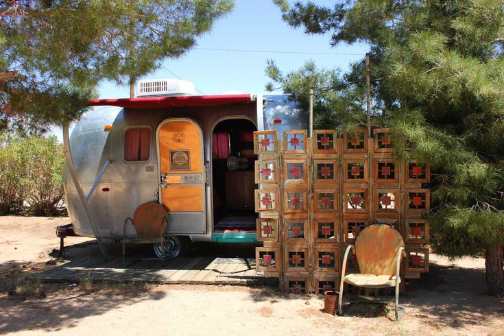 Help us welcome the newest addition to our #glamping collection! Double tap to LIKE and SHARE with a #friend who you would take with you on this #awesome #desert #vacation! http://bit.ly/1W4cBjW #california #airstream
