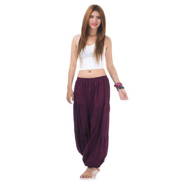 Bordeauxfarbene Damen Aladinhose, Pumphose, Yogahose und Haremshose aus Baumwolle - Beachwear & Streetwear vom Feinsten.  Ausgefallen, einmalig und chic - das sind die bequemsten und zudem...